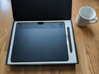 Wacom Intuos Graphics Tablet - Medium Size. Mint Condition BARGAIN - (£169.99 RRP)