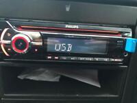 Phillips CEM2100 - Aux - USB car stereo complete