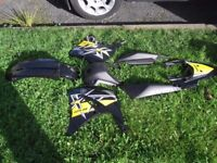 YAMAHA XT125R BODYKIT AND SEAT