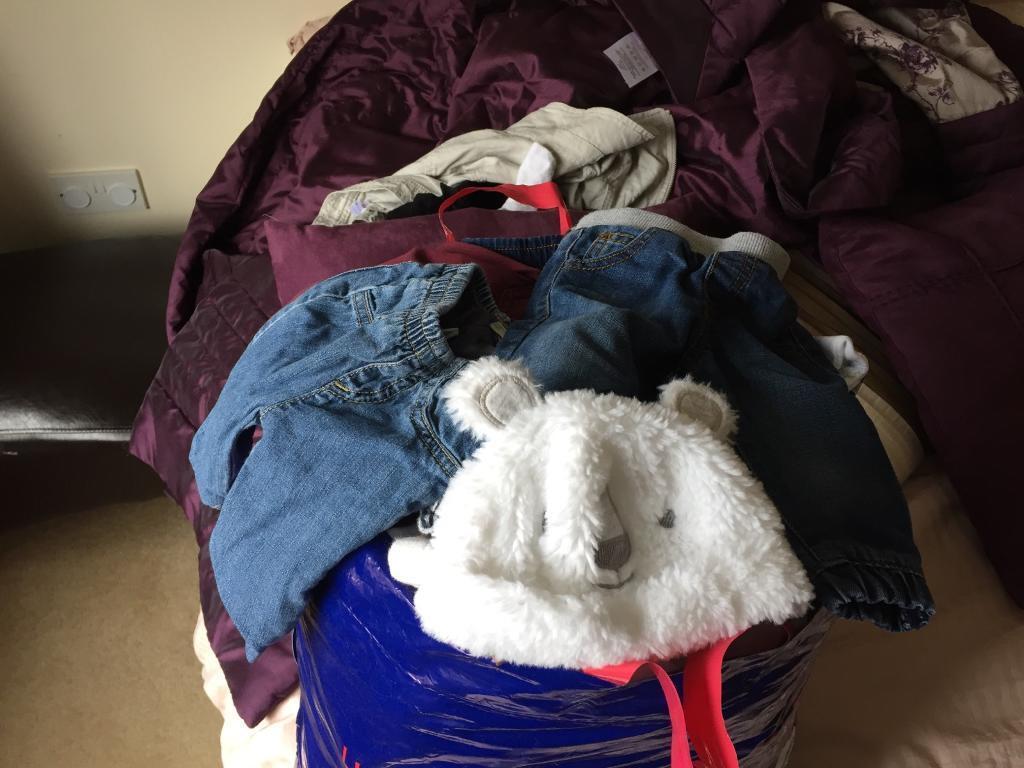 0>1 mth boys clothes