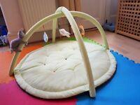 Baby gym floor mat