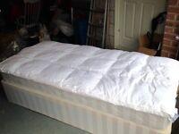 Single Foam & Down Mattress Topper