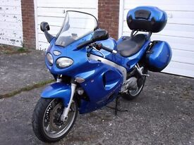 Triumph Sprint ST 955i, Genuine Top Box, Panniers & Heated Grips, Touring & Sports Screens.