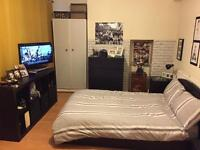 Double room in zone 1. Short term.