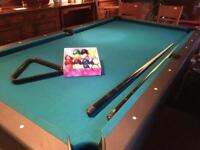 POOL AND SNOOKER TABLE, INCLUDING BALLS AMD CUES