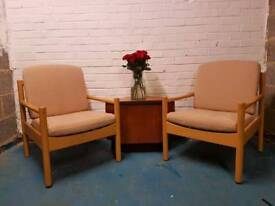 *STUNNING* PAIR OF ERCOL CLUB CHAIRS. * RECENTLY UPHOLSTERED CUSHIONS*