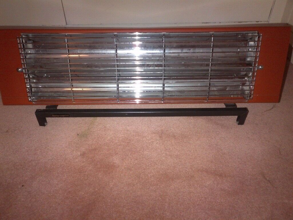 brand new (never used) vintage radiant two-bar electric heater only one bar works at present