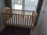 Mamas & Papas COT/BED