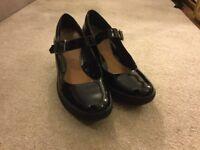 Shoes - Clarks -Black Size 5 / 38