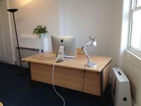 Large desk space in spacious offices - ideal for freelancers