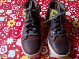 Brand new Clarks boys shoes 'Beven Boy' size 12.5G laces and side zip.
