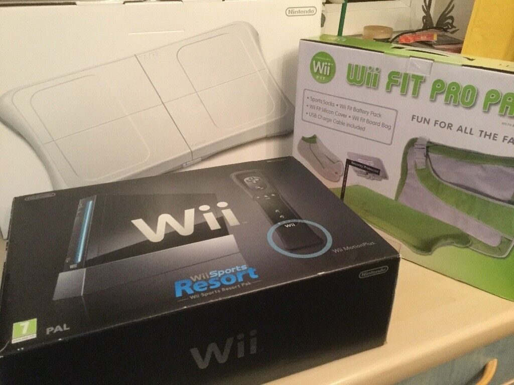 Nintendo Wii, Wii Fit Pro Pack, Wii Fit Plus(white balance board)