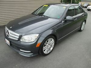 2011 Mercedes-Benz C-Class 4MATIC - HEATED LEATHER -SUNROOF!!!