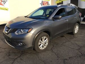 2016 Nissan Rogue SV, Auto, Panoramic Sunroof, Heated Seats, AWD