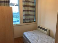 *FABULOUS DOUBLE ROOM IN ELEPHANT AND CASTLE