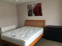 2 Double Rooms in Victoria Docks from 07/11/16 and 12/11/2016. All bills Inclusive