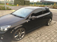 Vuaxhall Astra VXR Black