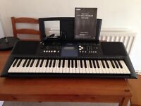 Yamaha PSR E333 (E-333) Keyboard speakers, touch sensitive, rhythms, great sounds - in good nick!