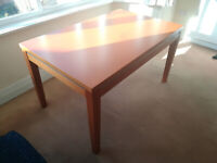 Beautiful extending dining table (4-6 seater), excellent quality and state