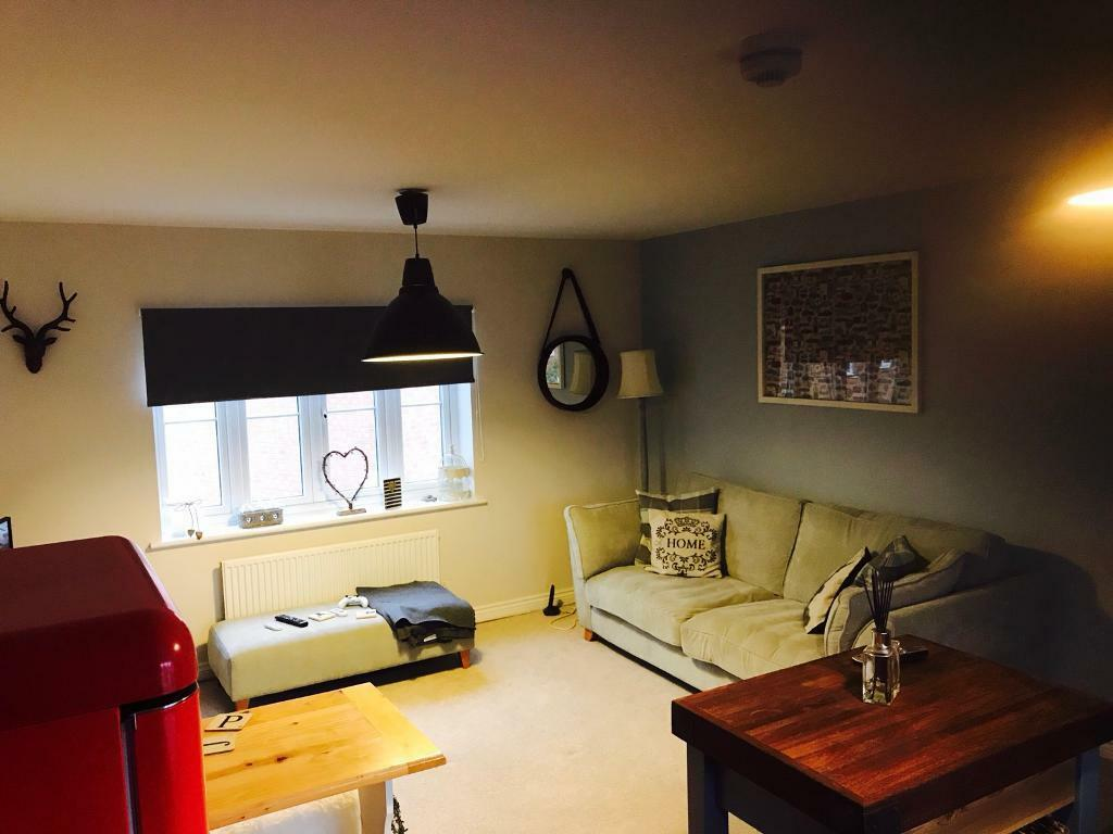 2 bedroom house to rent with garage