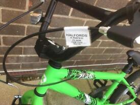 NEW & UNUSED BIKE HALFORDS X RATED FLAIR BMX BIKE.