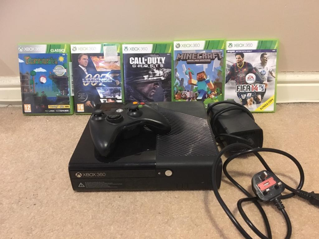 XBOX 360 console + 5 games