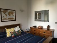 Spacious double room with its own bathroom to rent in lofty new-build in Chiswick/Acton