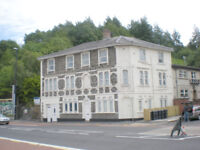 Two Bed Top Floor Flat - Bath Rd - Totterdown - Unf/Exc