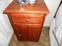 MATCHING SINGLE HEADBOARD,CHEST OF DRAWERS AND BEDSIDE TABLE.