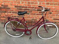 Raleigh Cameo Ladies Town Bike. Beautiful condition. Fully Serviced, Free Lock, Lights, Delivery
