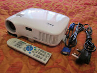 NEC Beamer LT25 / Very Good Condition / Including bag, Remote and Manual