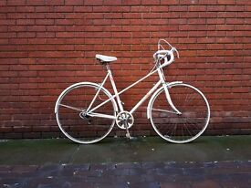 Lovely EXTRA LARGE ladies vintage touring commuting bike. Fully serviced
