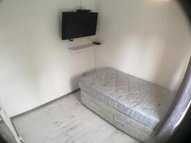 Single room in Chelmsford city centre near the rail station
