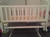V.i.b. Gliding crib