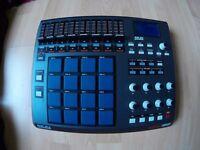 Akai MPD32 Drum DJ MIDI performance controller