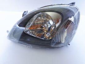 Toyota Yaris 1999-2003 Left Passenger Side Headlamp