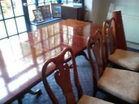 Large Dinning Table with 6 Chairs With Accessaries