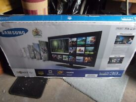 New Samsung 40 inch Smart TV, 40 watt soundbar and Blu ray dvd player.