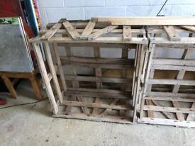 FREE Wooden Crate 90x90cm