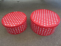 Set of 2 polka dot cake tins