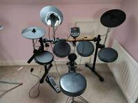 Digital/electronic drum kit complete