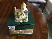 """Lilliput Lane """"Gold Top"""" Collectors Club Special Edition"""