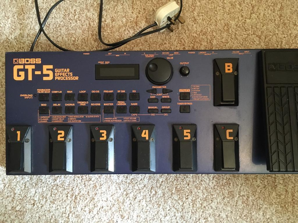 Boss GT5 Multi Effects Pedalboard