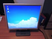 Acer AL1916 19-inch LCD Monitor - Great Condition