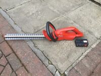 "Flymo Easycut 420 Cordless Hedge Trimmer with 19"" cutting blade"