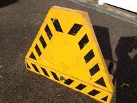 Bright Yellow Wheel Clamp for Car / Caravan / Boat trailer / Campervan - Heavy duty with keys.