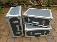 Flight cases for vinyl turntables