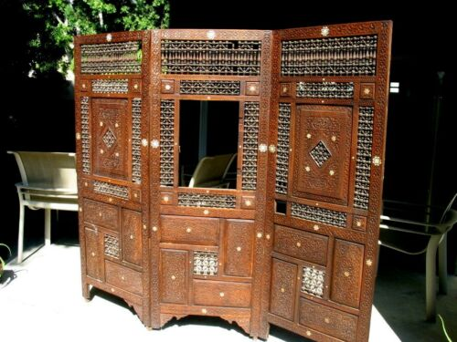 ANTIQUE  DIVIDER SCREEN.... CARVED... TURNINGS.. 3 SECTIONS