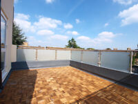 Large three double bedroom property located in Finsbury with roof terrace