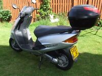 SCOOTER HONDA SCV 100 IN PRISTINE CONDITION VERY LOW MILEAGE FULL YEAR MOT WELL LOOKED AFTER